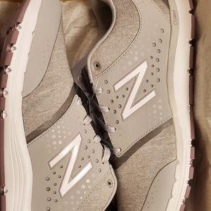 NWOT! New Balance Women Running 577 size 9
